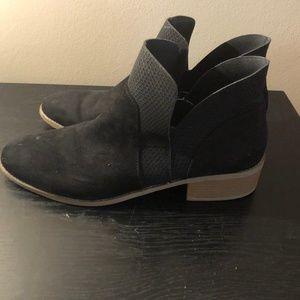 Black Womans Chelsea Boot